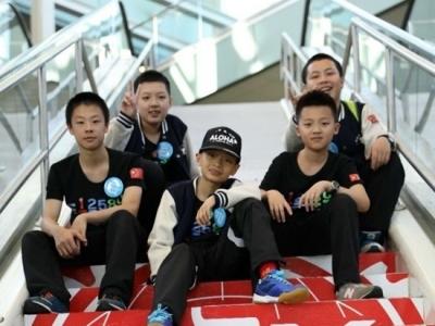 福州5名学生夺世界机器人竞赛冠亚军
