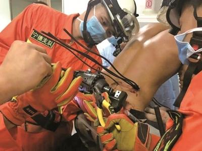 5根钢筋穿透身体 紧急抢救挽回生命