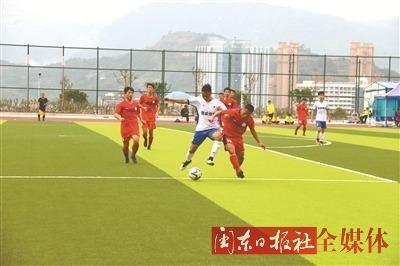 厦门大学嘉庚学院队夺得本届省运会足球比赛(大学生部)男子甲A组冠军