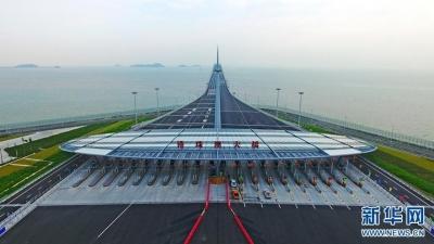 港珠澳大桥24日正式通车运营