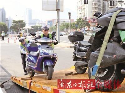 密集交通执法 培养文明习惯