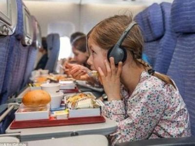 飞机餐不好吃有道理:机舱内味觉减弱,盐的咸度降低20%
