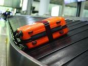 频频迷路的航空行李去哪儿了?每年2300万件行李出差错