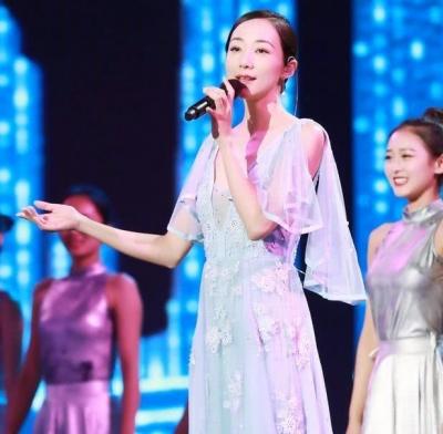 """媒体评韩雪假唱事件:将假唱说成""""完美"""",刷新行业下限"""