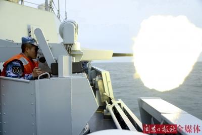 东部战区驻宁海军组织军营开放日系列活动庆祝人民海军70岁生日