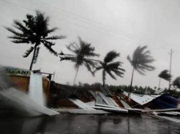 """热带气旋""""法尼""""在印度致死人数升至33人"""