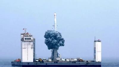 硬核!中国运载火箭首次海上发射成功