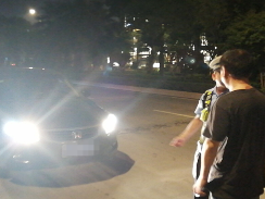 """福鼎交警整治滥用远光灯行为  让违规者接受""""体验式处罚"""""""