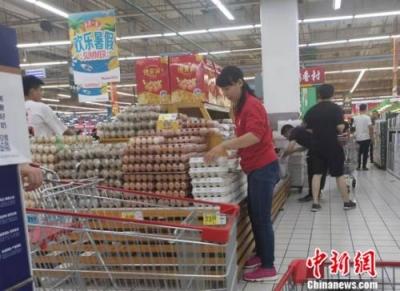 """部分地方鸡蛋价格一斤超6元 """"火箭蛋""""卷土重来?"""