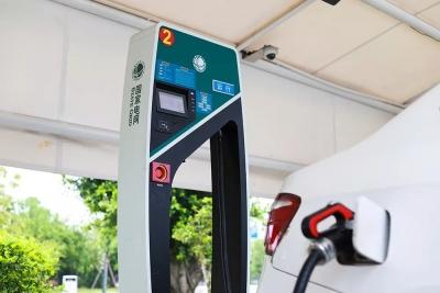 我市15个充电桩充电服务费全面下调 充电费用每度0.1元,为全省最低价