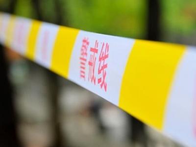 广东一大巴侧翻7死11伤,乘客甩出护栏