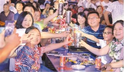 提前消费借贷消费增多 意味着中国人不爱存钱了吗?