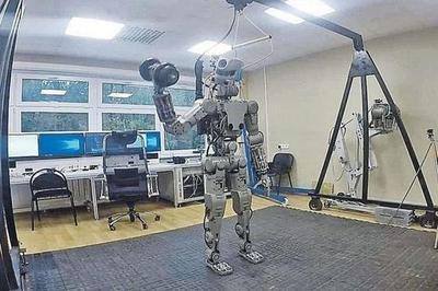 向太空进发!俄罗斯会开玩笑的机器人已进入飞船内