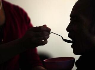 中国超4000万失能老人如何照料?解决方案来了!