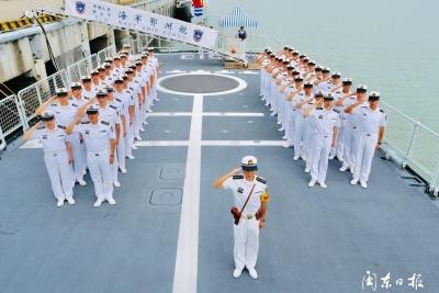 庆八一,东部战区海军驻宁某部隆重举行升旗仪式