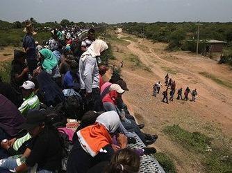 美政府拟推新规允许对非法移民家庭无限期关押
