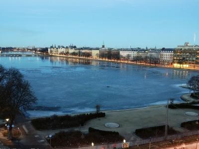 一中国游客在哥本哈根市中心湖中溺亡