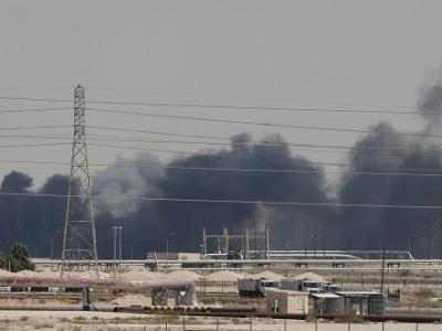 沙特遇袭后油价开盘飙升超15% 特朗普称将释放战略石油储备