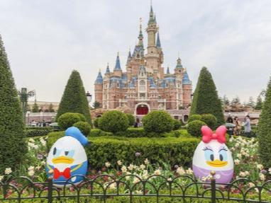 上海迪士尼乐园:优化人工包检 游客可携带自用食品进入