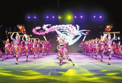 """幸福新宁德 最美夕阳红""""庆祝中华人民共和国成立70周年老年体育健身项目交流展演活动在万达广场举行"""