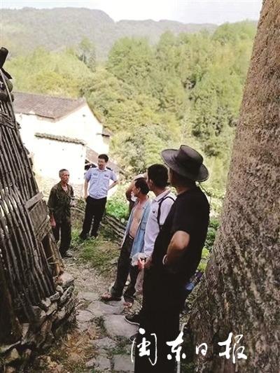老人上山采菇走失50多个小时   警民联合搜救老人成功脱险