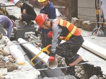 雨污分流改造三期六小项目正在抓紧施工