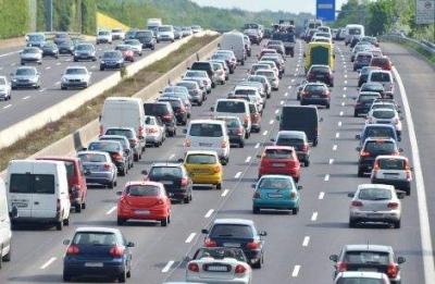 国庆期间我市高速公路车流量超200万辆次