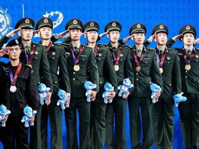 军运会决出羽毛球历史首金,中国男团四连胜夺冠
