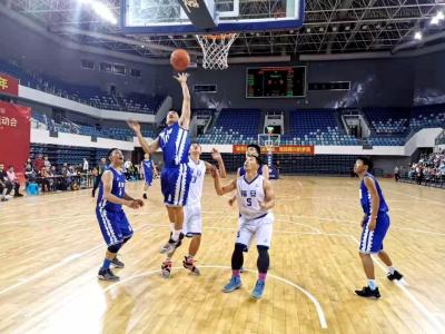 市运会篮球(群众组)比赛蕉城区代表队夺冠