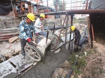 蕉城区城南镇开展福洋溪、无名溪两条河道清淤治理