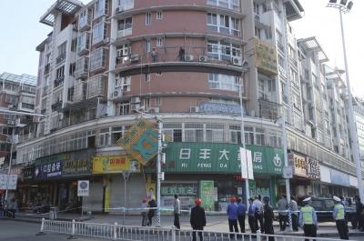 东侨开展创全国文明城重点路线整治改造提升专项行动