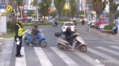 道路拓宽路面平整 市民出行更舒心