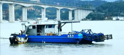 我市沿海海漂垃圾自动化清理船完工上水