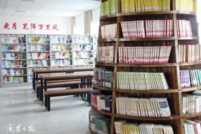 """厦门援疆书屋打造""""城市书店""""走进社区的示范点"""