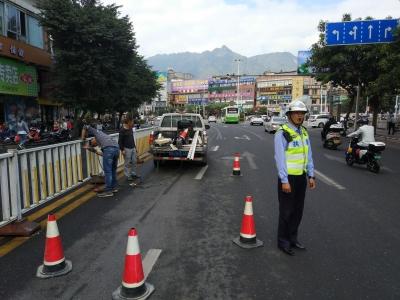 交警部门将对中心城区交通标志、路面标线、护栏进行修复,推动创城工作