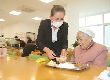 """柘荣宅中:""""一元爱心餐""""让老人乐享""""食""""惠"""