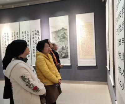 福建省党校行政学院系统书画作品巡展开幕