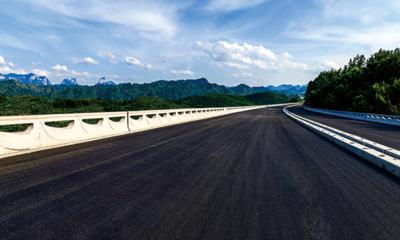 2020年6月底前全面完成1100公里全线路面养护