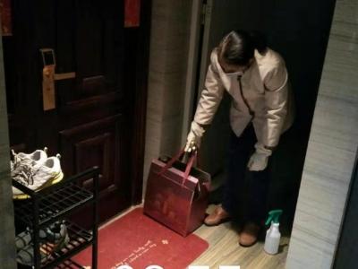 东侨湖滨社区:隔门不隔心  居家不隔爱