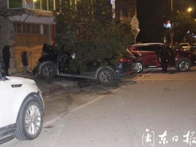 """周宁一男子""""无证+醉驾""""上路  撞上路边两车后成这样......"""