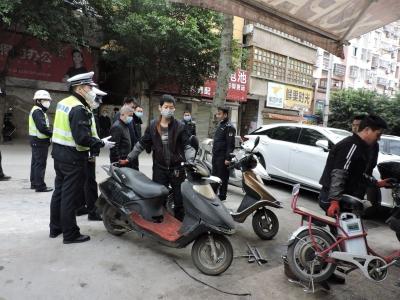蕉城交警联合城管开展交通秩序及市容市貌联勤整治