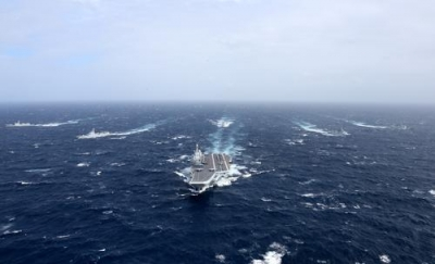 海军辽宁舰航母编队组织跨区机动训练