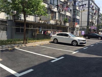 蕉北街道:规划社区周边停车位