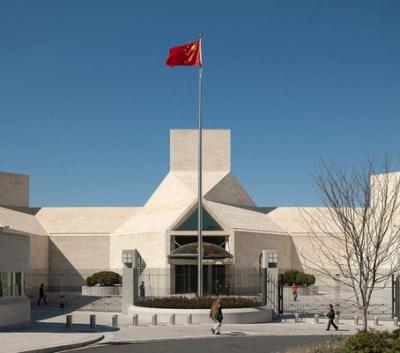 中国驻美大使馆:优先安排小留学生乘机回国