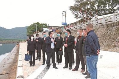 """蕉城法院联在霍童镇开展以""""世界水日""""""""中国水周""""为主题的巡河活动"""