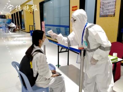 江李平:穿上白色防护服,我又成为战士