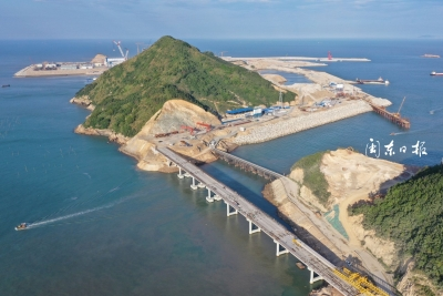 华能霞浦核电七尺门大桥箱梁架设完成