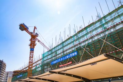 新能源湖西产业园数码项目三期主厂房之一主体结构已封顶