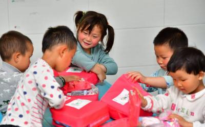 安利公益基金会捐赠500万元卫生包助力开学复课