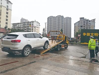 蕉城交警开展车辆违停交通安全整治